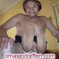 Beim Oma Sextreffen reife Omas flachlegen