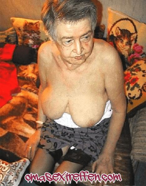 Oldie Date mit Hängetitten Oma