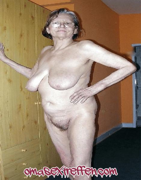 Oma bumsen und Kaviarsex