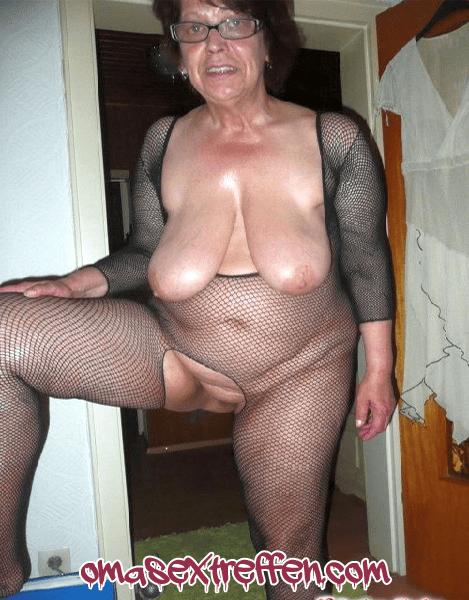Devote Oma aus Essen braucht harten Sex